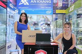 Khách hàng mua laptop Acer