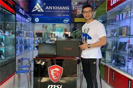 Khách hàng mua laptop MSI