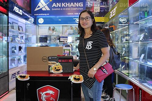 Album khách hàng mua laptop Dell tại An Khang