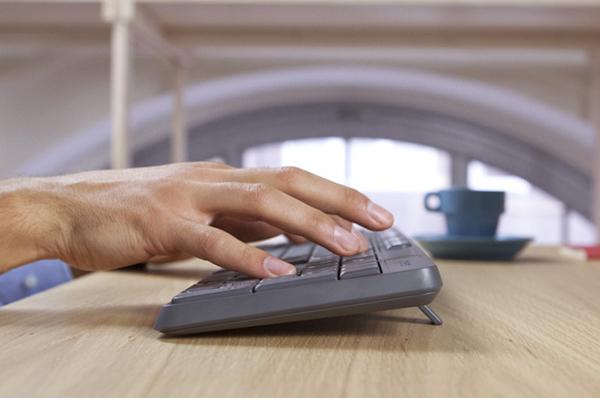 Bộ bàn phím - Chuột Logitech MK235 - Màu xám
